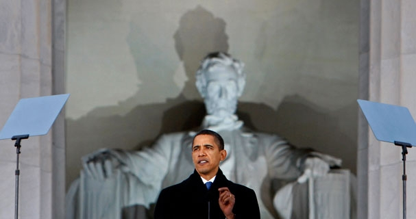 Obama speaks in front of his own idol